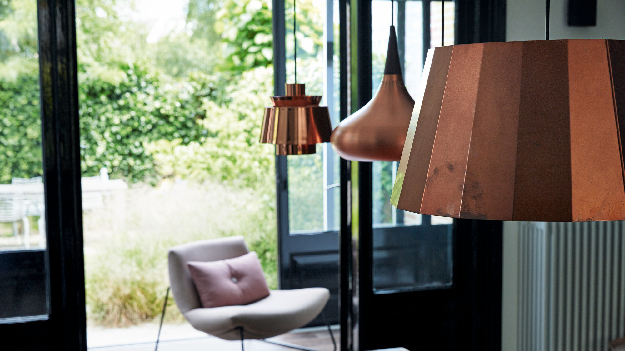 Furnishing with copper