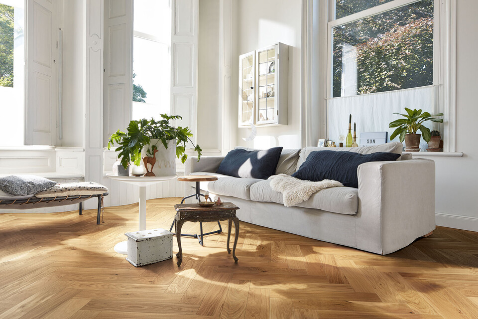 Herringbone: A classic laying pattern for parquet flooring returns